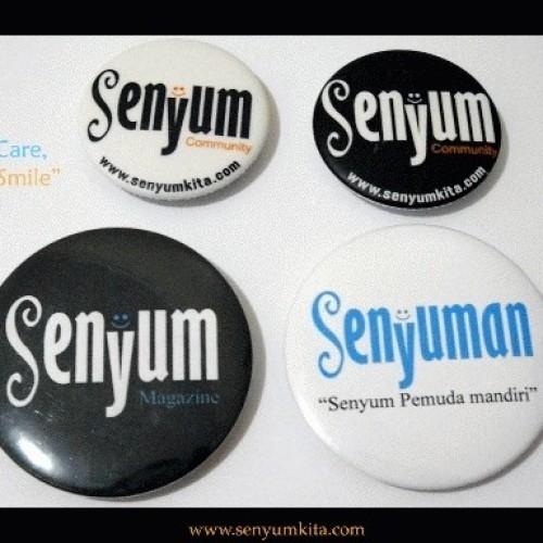 Foto Produk Pin Senyum Community dari  Keep Smile Creative