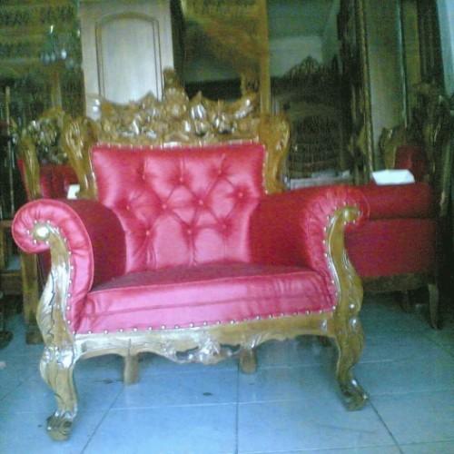 Foto Produk satu set kursi mewah dari Mustika Meubel Jepara