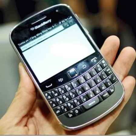 Foto Produk blackberry dakota 9900 /bold touch Bergaransi dari Kellygedgetshop