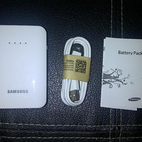 Foto Produk Powerbank Battery pack Samsung 9000 MaH White dari Elenna-Store