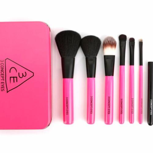 Foto Produk 3 CE / 3ce / 3CE (3 concept eyes) Brush Kit -BEST Quality Loveable Kit dari twindshop