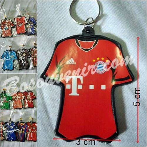 Foto Produk Souvenir Gantungan Kunci Baju. dari Bosouvenir com