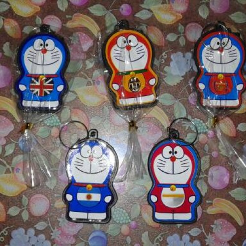 Foto Produk souvenir pernikahan gantungan kunci doraemon murah dari reyhan souvenir