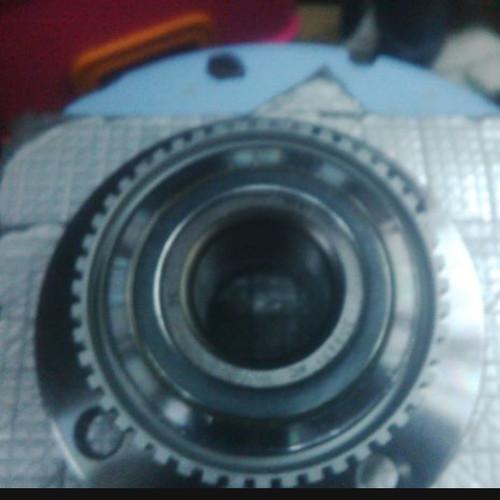Foto Produk Laher roda BMW E30 depan dari madilia