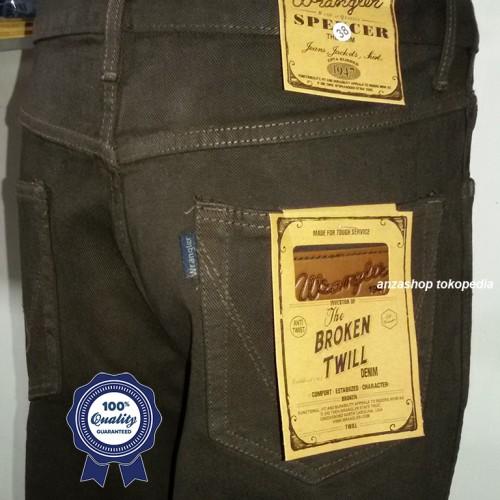 Foto Produk Celana Jeans Branded Wrangler Standar/Regular Coklat 27-32 CO dari Anza Shop