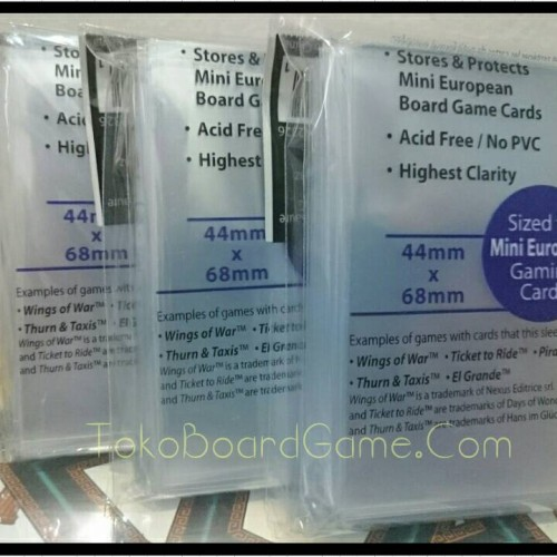 Foto Produk 44x68mm UltraPro Board Game Sleeves Mini Euro dari Toko Board Game