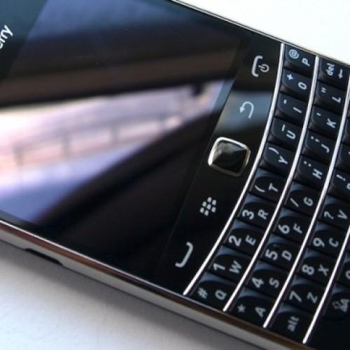 Foto Produk BB Blackberry Bold 9900 Dakota GSM 3G Type & Touch Original BM GARANSI dari Mafia Gadget