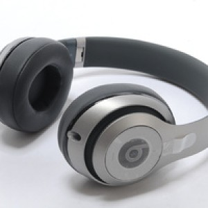 Foto Produk Beats Studio wireless new gen 2.0 silver dari Elenna-Store
