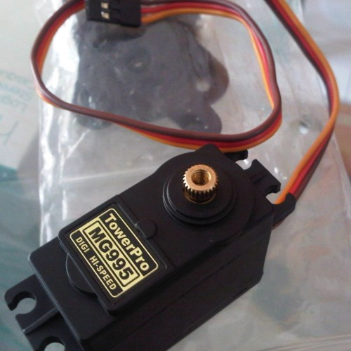 Foto Produk Motor Servo Tower Pro MG995 torsi 10 kg dari solarperfect