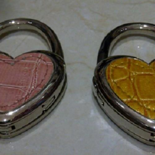 Foto Produk Gantungan Tas Love dari Supplier Mainan