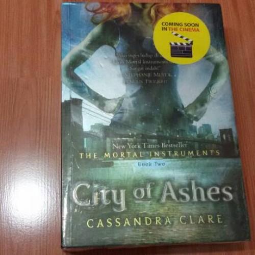 Foto Produk Novel City of Ashes (The Mortal Instruments #2) dari Pusat Komik