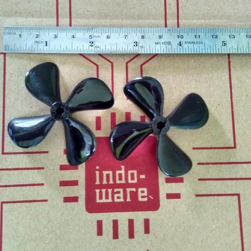 Foto Produk od 60mm lubang 4mm satu set 2 pcs saling berlawanan 4 daun propeller dari indo-ware