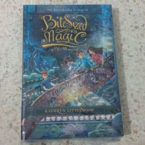 Foto Produk Novel Bite Sized Magic (The Bliss Bakery Trilogy #3) dari Pusat Komik