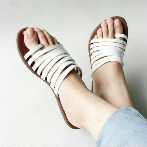 Foto Produk SENDAL GELANG RING PUTIH dari jenn shoes