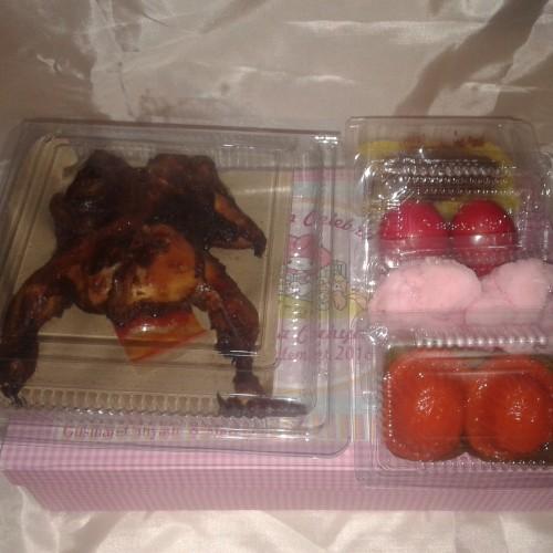 Foto Produk paket ayam hampers souvenir one month new born ulang tahun dari Elaine shopping