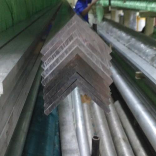 Foto Produk siku aluminium 50 x 50x t5 x 500 dari endo shop88