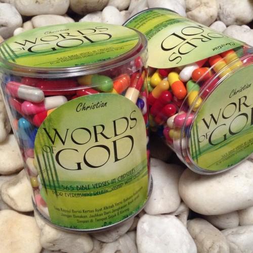 Foto Produk Words of God - 365 Ayat Alkitab Dalam Kapsul - Indonesia dari Omobonita