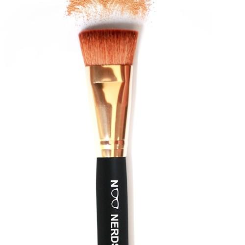 Foto Produk NOO NERDS - FLAT BLENDING Brush (For blend all Powder perfectly) dari twindshop