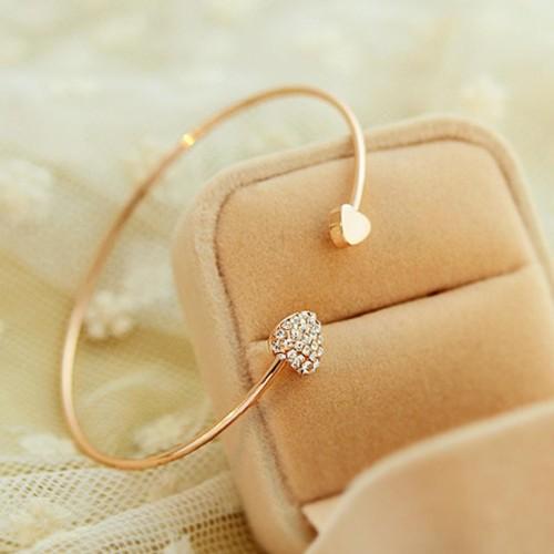 Foto Produk gelang hati emas / gold-plated double peach heart bracelet JGE009 dari Oila