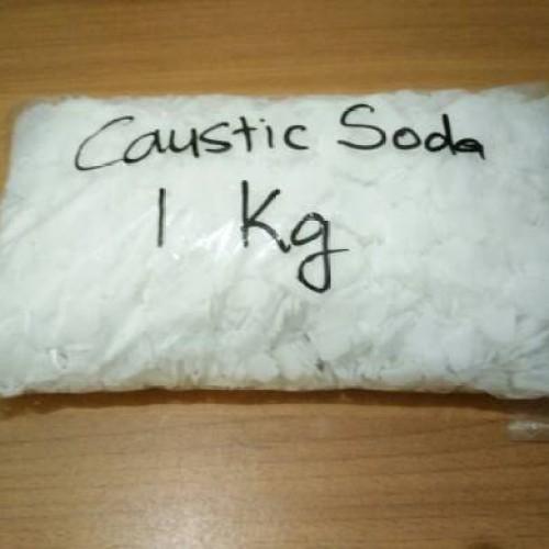 Foto Produk SODA API / CAUSTIC SODA / NaOH ( 1kg/pack ) - EX CHINA dari HEANSA KIMIA