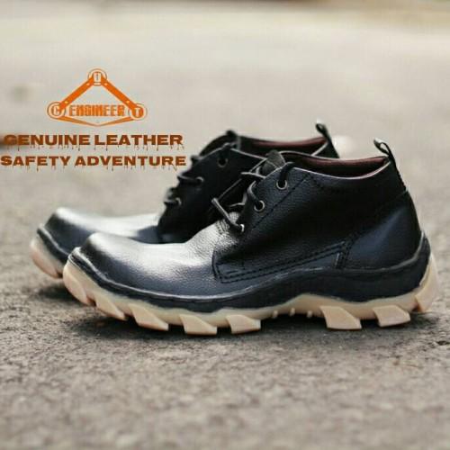 Foto Produk Sepatu KuLit ASLI Boots Safety Adventure Cut Engineer Black dari Cut Engineer