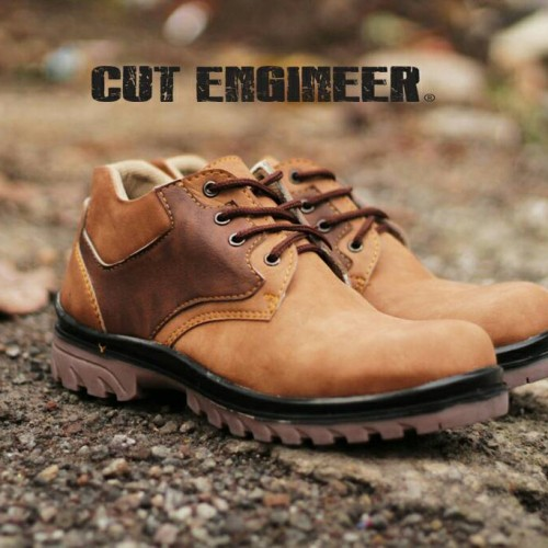 Foto Produk Hikers Shoes Low Boots Safety Mix Brown dari Cut Engineer
