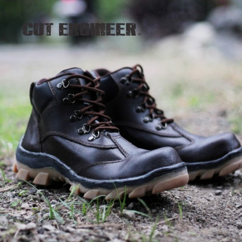 Foto Produk Cut Engineer Safety Hikkers Boots Iron Leather Brown dari Cut Engineer