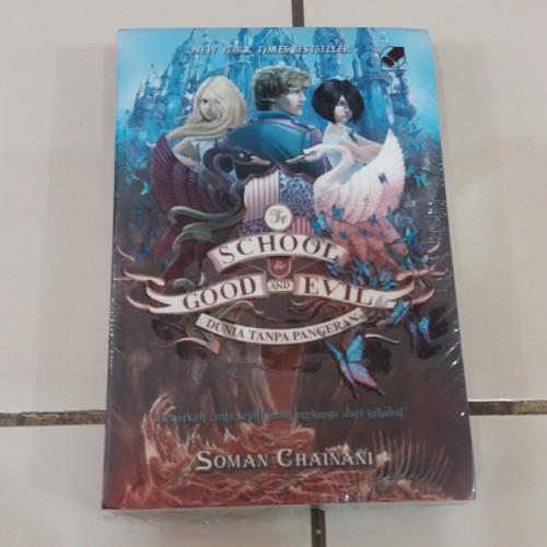Foto Produk Novel The School For Good And Evil 2: Dunia Tanpa Pangeran dari Pusat Komik