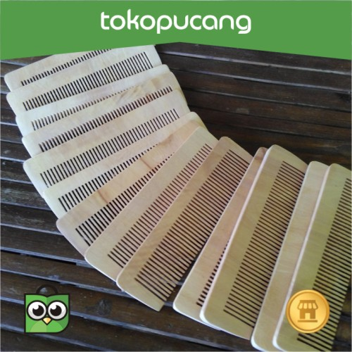 Foto Produk Sisir Kayu kerajinan tangan, bisa untuk souvenir dari Toko Pucang