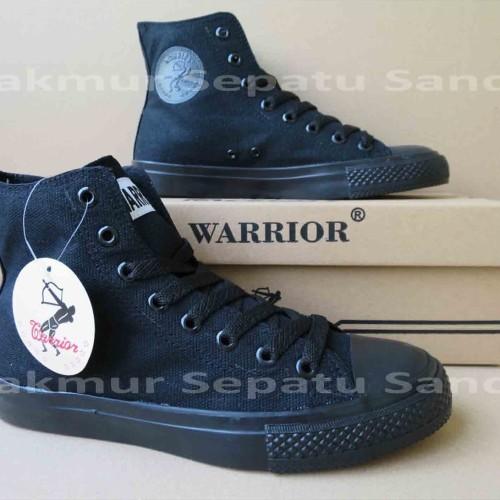 Foto Produk Sepatu Sekolah - Warrior Sparta HC - All Black dari Makmur Sepatu Sandal