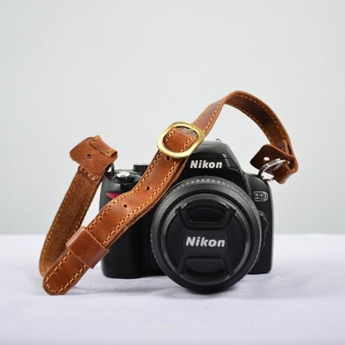 Foto Produk WAKU Strap Kamera / Neck Strap Kulit Leather Mirrorless DSLR - Konan I dari WAKU Indonesia