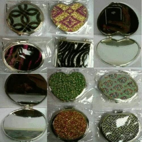 Foto Produk Souvenir Pernikahan Kaca Cermin lipat Impor Murah Sovenir Pesta dari ZA MODE