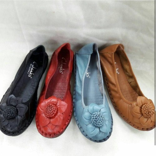 Foto Produk Sepatu Kerja Wanita Clarks Sun Flower Flat Terlaris - Hitam, 36 dari VnS Shop
