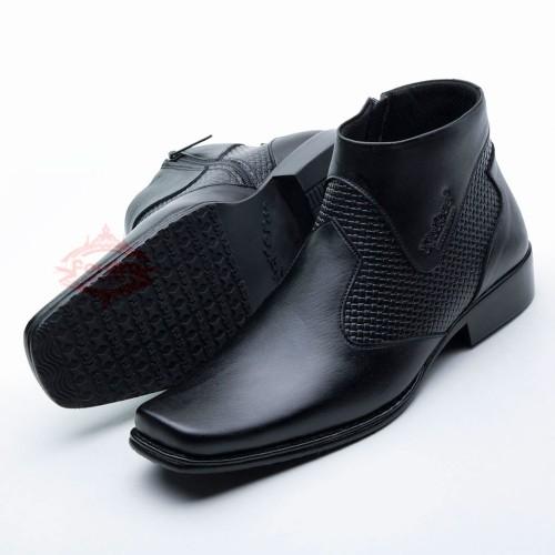 Foto Produk Sepatu Boot/Boots Pria Pantofel Best Quality Kulit Asli 0312 HT - Hitam, 38 dari FORDZA Shop