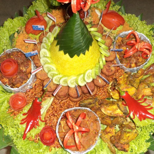 Foto Produk Nasi Tumpeng Super - KUNING dari NJTMM Shop
