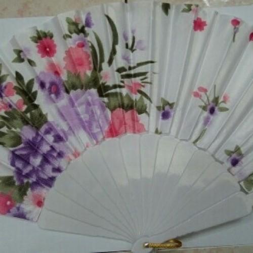 Foto Produk Kipas Plastik Kain Satin Corak Bunga dari Toserba online 99