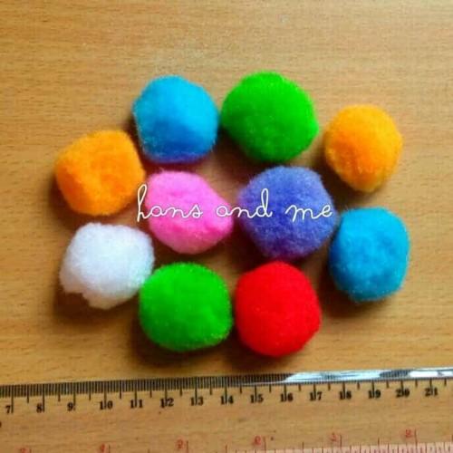 Foto Produk Pom Pom 3cm / Pompom 3 cm Warna-Warni dari Hans and Me