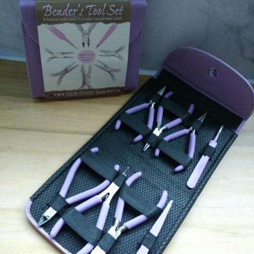 Foto Produk Tang Set Beadsmith Fashion Color Plier Set & Clutch Orchid dari Studio Manik