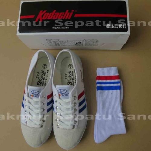 Foto Produk Sepatu Capung - Kodachi 8111 - White + Kaos Kaki dari Makmur Sepatu Sandal