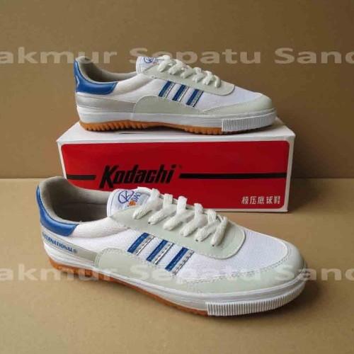 Foto Produk Sepatu Capung - Kodachi 8116 - Biru/Silver - 40 dari Makmur Sepatu Sandal