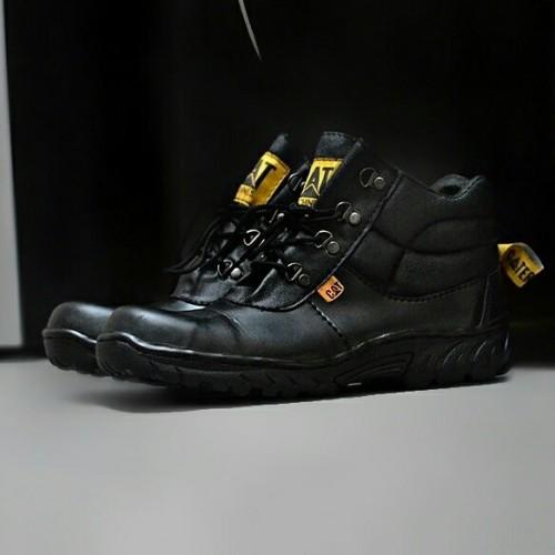 Foto Produk 60,000 sepatu pria TERMURAH original bandung caterpillar safety black dari Bandungpro Store