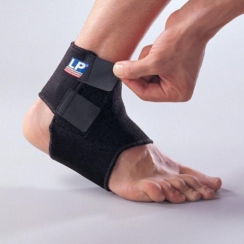 Foto Produk Adjustable Ankle Support LP 768 Neoprene ORIGINAL dari DNA Sport & Music