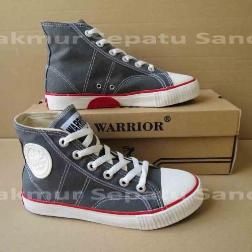 Foto Produk Sepatu Sekolah - Warrior Classic HC - Grey / Abu - 37 dari Makmur Sepatu Sandal