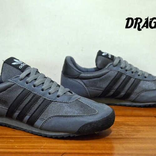 Foto Produk sepatu pria adidas dragon made in vietnam greey black made in vietnam dari GRAHA FOOTWEAR