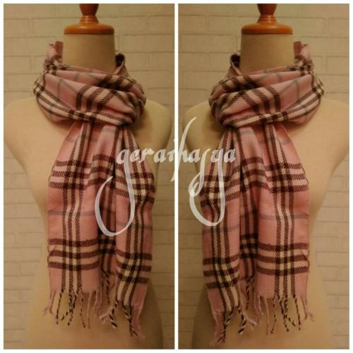 Foto Produk syal scarf shawl pink kotak u pria wanita #159 dari Gerai Hasya