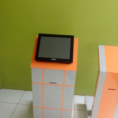 Foto Produk Mesin Antrian Touch Screen / Layar Sentuh dari Stufi Media