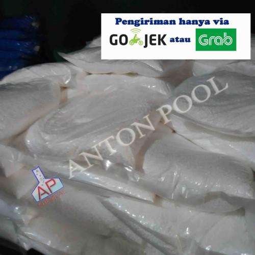Foto Produk Kaporit Granular 90%/Chlorine Granular 90% (pack 1kg) Gojek/Grab only dari Anton Pool