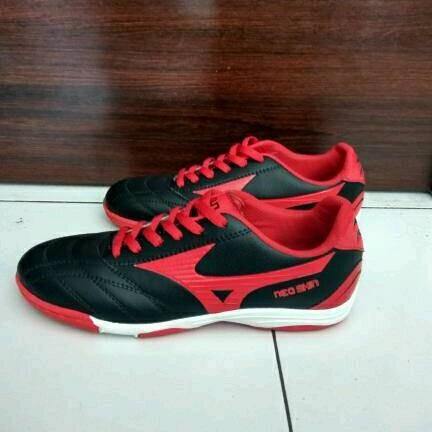 Foto Produk sepatu futsal mizuno neo shin olahraga sport pria Hitam list merah dari lapak memet