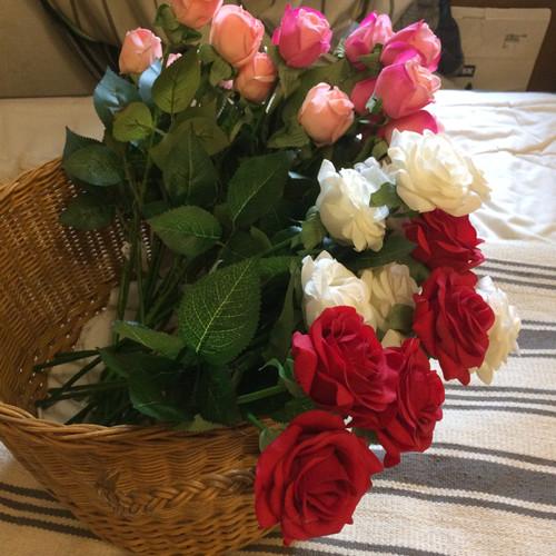 Foto Produk Bunga Mawar/Rose tiruan bahan latex seperti asli-real touch dari Decorating Gallery Store