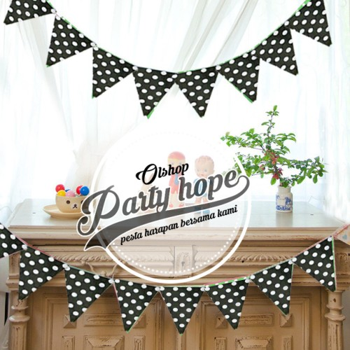 Foto Produk bunting flag segitiga polkadot hitam/ bendera segitiga / banner flag dari PARTY HOPE 2